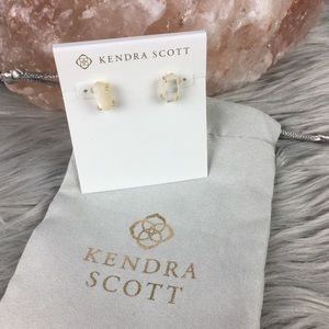 Kendra Scott Betty Gold Stud Earrings Ivory Pearl
